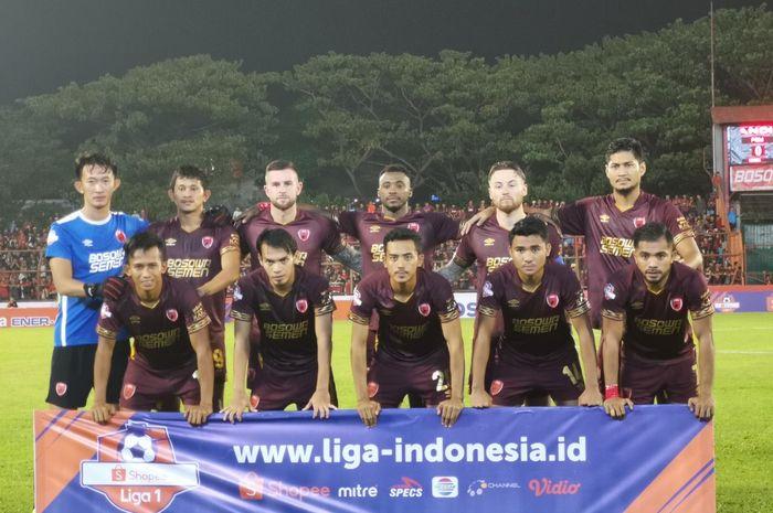 Pemain PSM Makassar berpose jelang kick-off duel Liga 1 2019 kontra Perseru Badak Lampung FC di Stadion Andi Mattalatta, Makassar, 24 Mei 2019.
