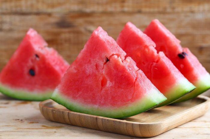 Jangan Makan Semangka yang Berlubang Saat Dibuka, Bisa Sebabkan Tumor -  Semua Halaman - Grid.ID