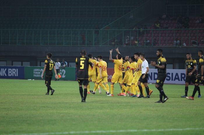 Bhayangkara FC berhasil meraih kemenangan melawan Barito Putera dengan skor 4-1