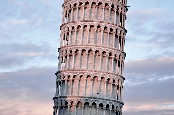 Kenapa Menara Pisa Miring, ya? Apakah Sengaja Dibangun ...
