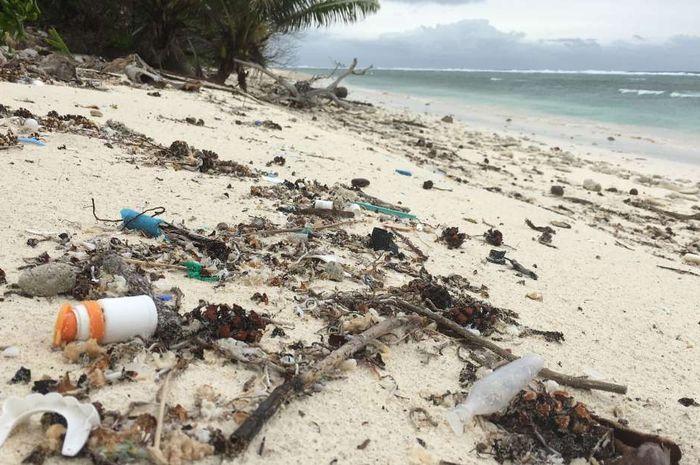Sampah di Kepulauan Cocos