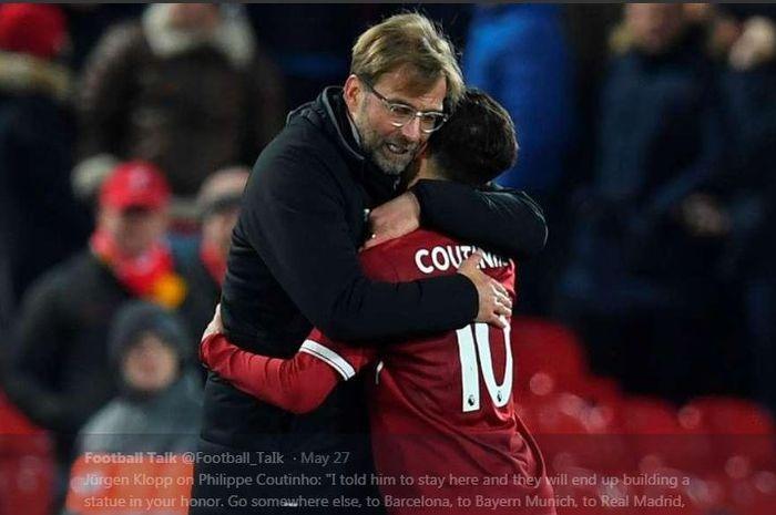 Juergen Klopp memeluk Philippe Coutinho saat sang pemain masih membela Liverpool.