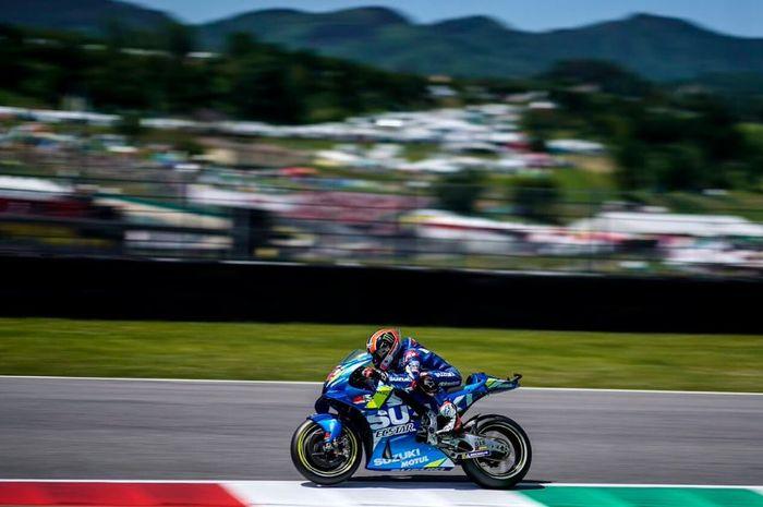 Aksi pembalap Suzuki Ecstar, Alex Rins pada MotoGP Italia 2019, Minggu (3/6/2019)