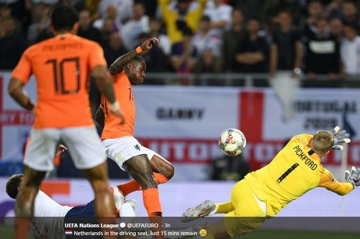 Kyle Walker mencetak gol bunuh diri saat tendangan Quincy Promes membentur kakinya yang membuat bola berbelok masuk ke gawang Inggris pada semifinal UEFA Nations League