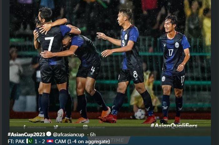 Pemain timnas Kamboja merayakan gol mereka ke gawang Pakistan dalam duel kualifikasi Piala Dunia 2022 zona Asia.