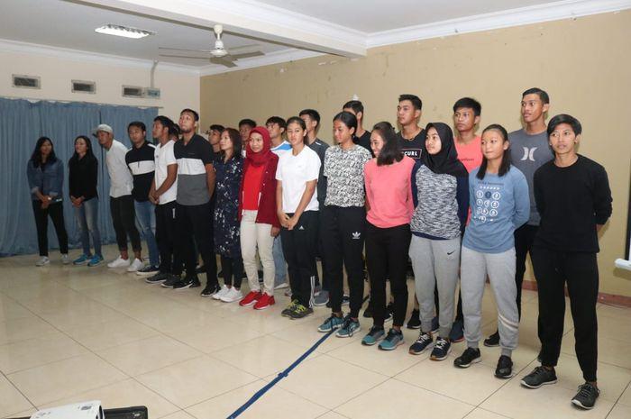 Para atlet peserta Pelatnas SEA Games 2019 cabang voli pantai pada peresmian Pelatnas di Bogor, Jawa Barat, Minggu (16/6/2019).