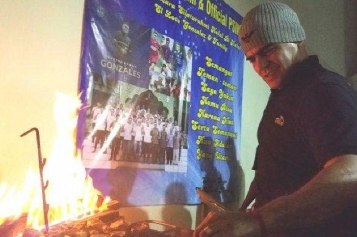 Penyerang PSIM Yogyakarta, Cristian Gonzales, ternyata memiliki hobi menarik yaitu memasak.