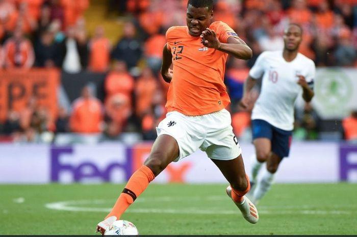 Bek kanan timnas Belanda dan PSV Eindhoven, Denzel Dumfries