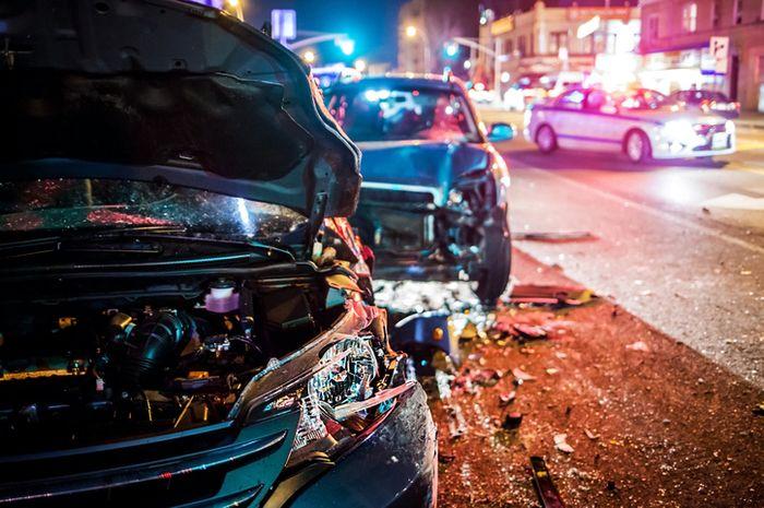 Ilustrasi kecelakaan di jalan raya.