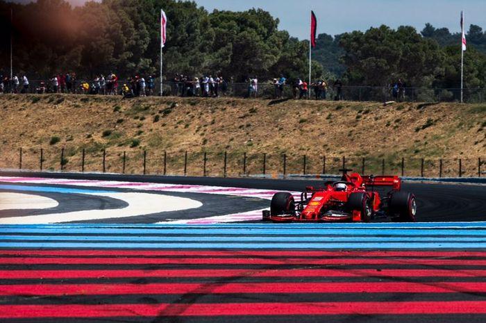 Aksi pembalap Ferrari, Sebastian Vettel saat sesi latihan bebas 1 F1 Prancis 2019, Jumat (21/6/2019)