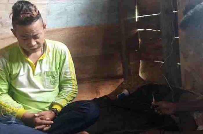 Patra Marinna Jauhari, seorang petugas medis yang menjalankan tugasnya di daerah pedalaman Kabupaten Teluk Wondama, Papua Barat.
