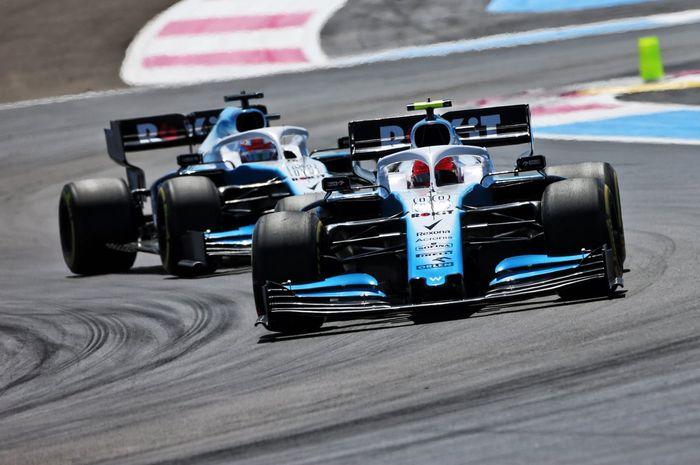Aksi dua pembalap tim Williams saat mengaspal di Sirkuit Paul Ricard dalam salah satu sesi F1 GP Prancis 2019