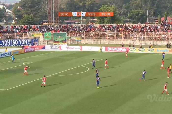Suasana pertandingan Perseru Badak Lampung vs PSIS Semarang di Stadion Sumpah Pemuda, Rabu (26/6/2019).