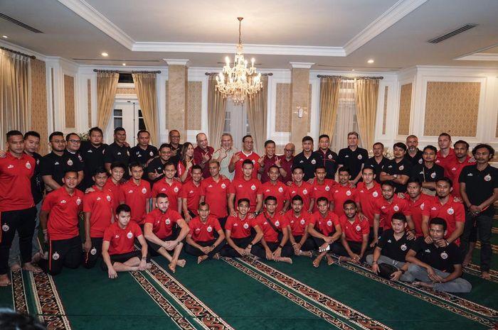 Persija Jakarta mendapat undangan spesial dari Gubernur DKI Jakarta, Anies Baswedan, untuk mengikuti acara Halal bi Halal.