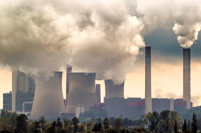 Ilustrasi asap pabrik.