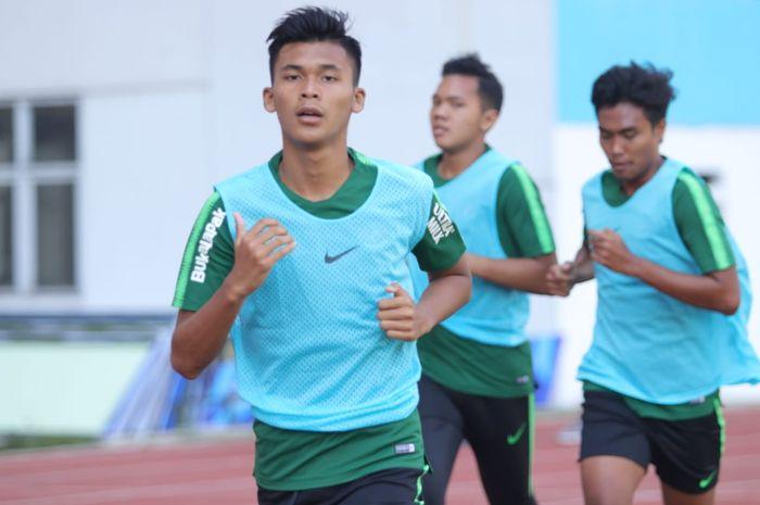 Penyerang timnas U-19 Indonesia, Sutan Zico dalam sesi tes fisik di Stadion Wibawa Mukti, Cikarang, Kabupaten Bekasi pada 1 Juli 2019.