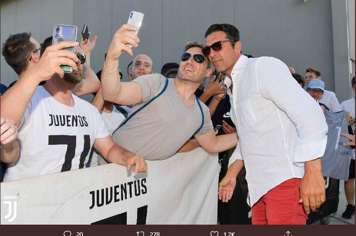 Kiper Juventus, Gianluigi Buffon, jelang tes medis, Kamis (4/7/2019) waktu setempat.
