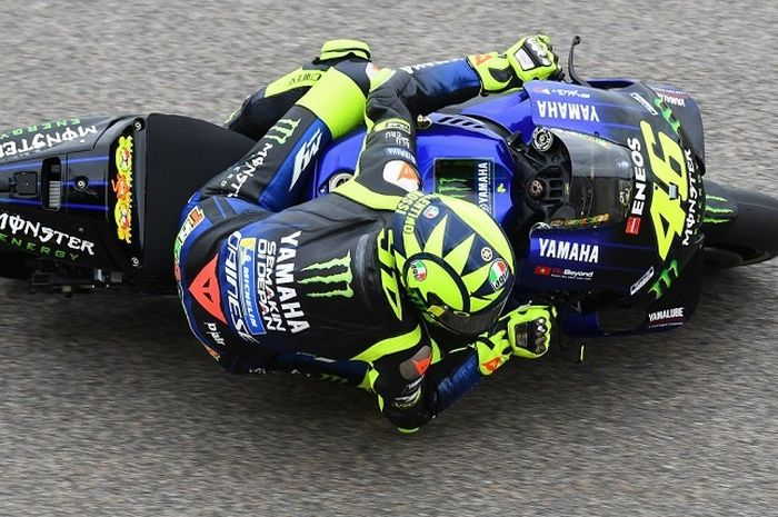 Valentino Rossi (Monster Energy Yamaha) saat tampil di Sachsenring pada hari pertama gelaran MotoGP Jerman 2019, Jumat (5/7/2019)