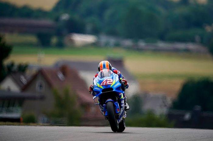 Aksi pembalap Suzuki Ecstar, Alex Rins saat beraksi pada hari pertama MotoGP Jerman 2019, Jumat (5/7/2019)