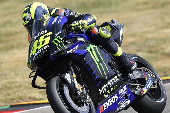 Valentino Rossi (Monster Energy Yamaha) kala tampil pada salah satu sesi MotoGP Jerman 2019 yang digelar Sabtu (6/7/2019)