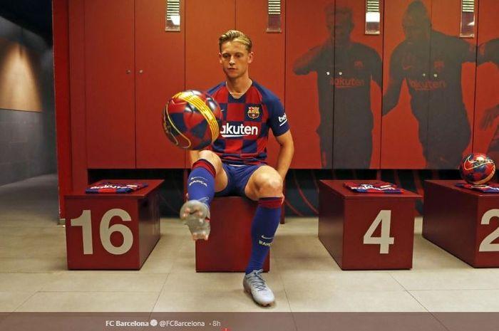Gelandang baru FC Barcelona, Frenkie de Jong.