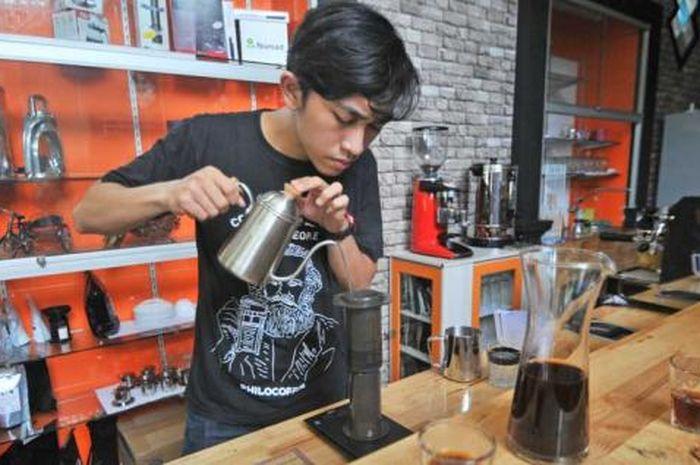 Ilustrasi peracik kopi