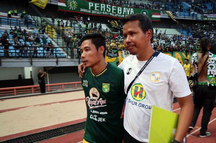 Gelandang Barito Putera, Evan Dimas Darmono, mengenakan kostum Persebaya Surabaya di Stadion Gelora Bung Tomo (GBT), Surabaya, pada 9 Juli 2019.