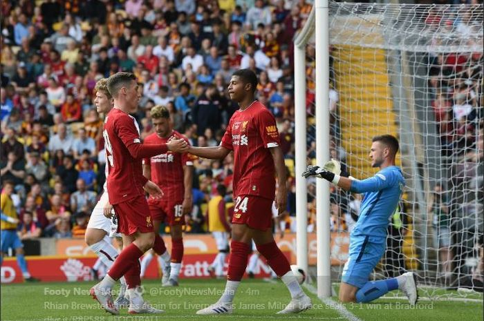 Rhian Brewster mencetak gol Liverpool ke gawang Bradford CIty, 14 Juli 2019.