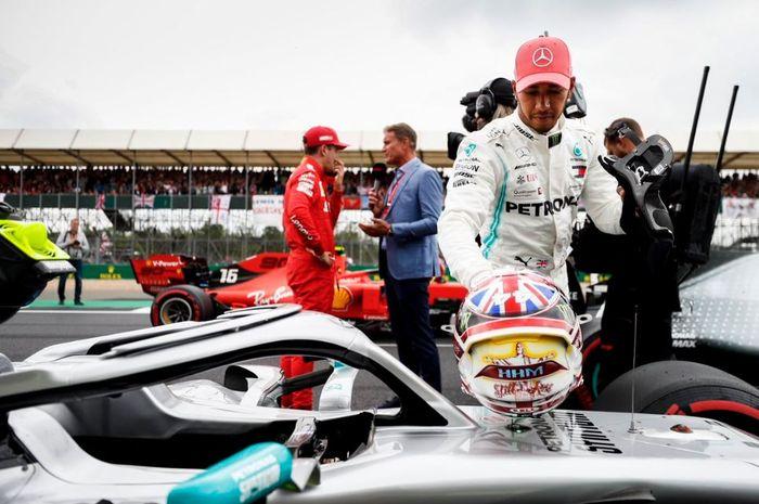 Ekspresi pembalap Mercedes, Lewis Hamilton usai melakoni babak kualifikasi F1 Inggris 2019, Sabtu (13/7/2019)