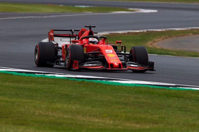 Aksi pembalap Ferrari, Sebastian Vettel saat melakoni babak kualifikasi F1 Inggris 2019, Sabtu (13/7/2019)