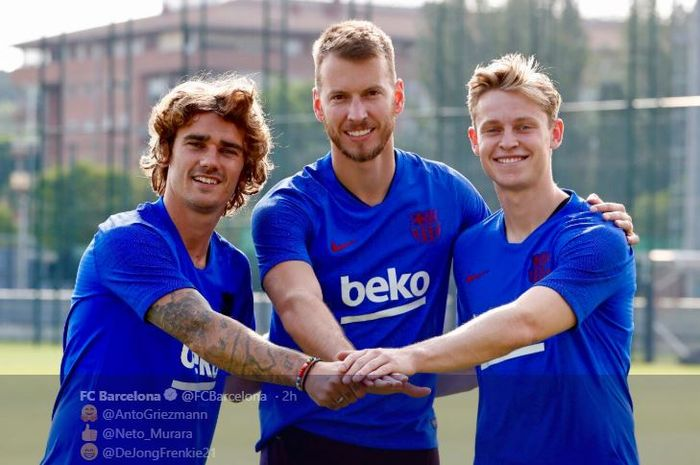 Tiga rekrutan anyar FC Barcelona (kiri ke kanan), Antoine Griezmann, Neto Murara, dan Frenkie de Jong.