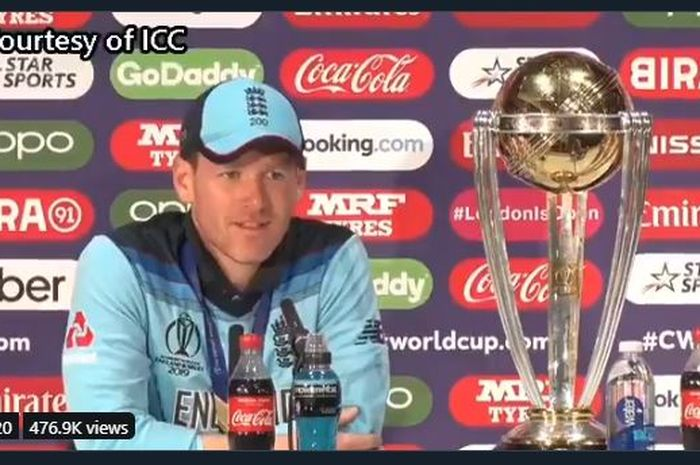Kapten Timnas Kriket Inggris, Eoin Morgan, berbicara kepada media usai kemenangan Inggris di Piala Dunia Kriket 2019, Minggu (14/7/2019).