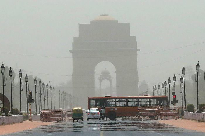 keadaan di India, fatamorgana tercipta saking panasnya cuaca