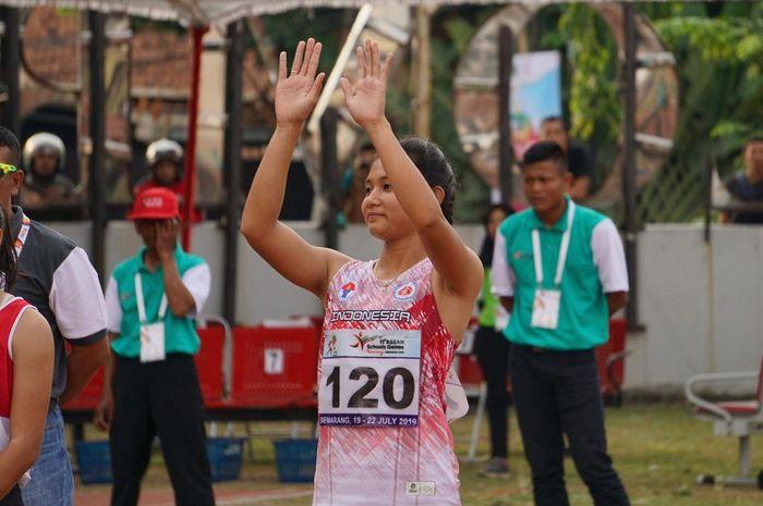Erna Nuryanti saat lakukan selebrasi usia meraih emas ASEAN School Games 2019, di GOR Tri Lomba Juang, Sabtu (20/7/2019)