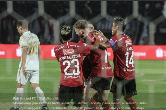 Pemain Bali United merayakan gol Melvin Platje ke gawang PSS Sleman, 22 Juli 2019.