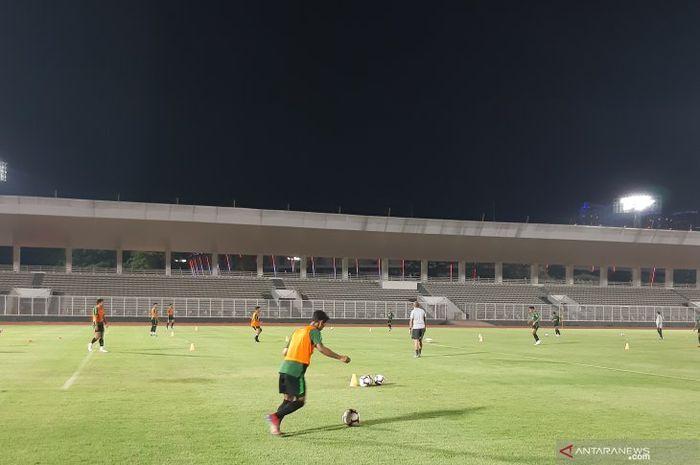 Suasana latihan timnas U-23 Indonesia di Stadion Madya Gelora Bung Karno, Jakarta Pusat, pada 23 Juli 2019.