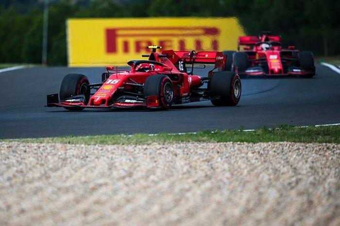 Kedua pembalap Ferrari saat sedang menjalani sesi latihan di sirkuit Brno Jumat (2/8/2019)