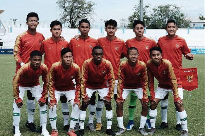 Skuad timnas U-15 Indonesia berfoto jelang laga Piala AFF U-15 2019 kontra Vietnam, Sabtu (27/7/2019).