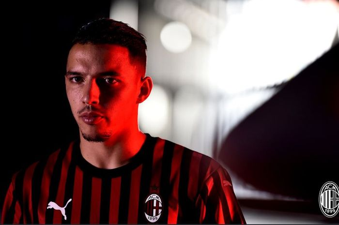 Kesederhaan Islam Cegah Gelandang AC Milan Berfoto