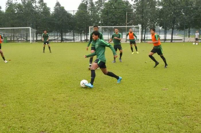 Latihan timnas U-18 Indonesia di Vietnam dalam rangka Piala AFF U-18 2019.
