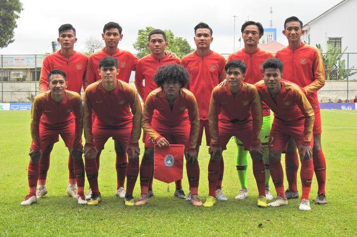 Timnas U-18 Indonesia saat hendak menghadapi timnas U-18 Filipina pada matchday pertama Piala AFF U-18 2019, Selasa (6/8/2019).