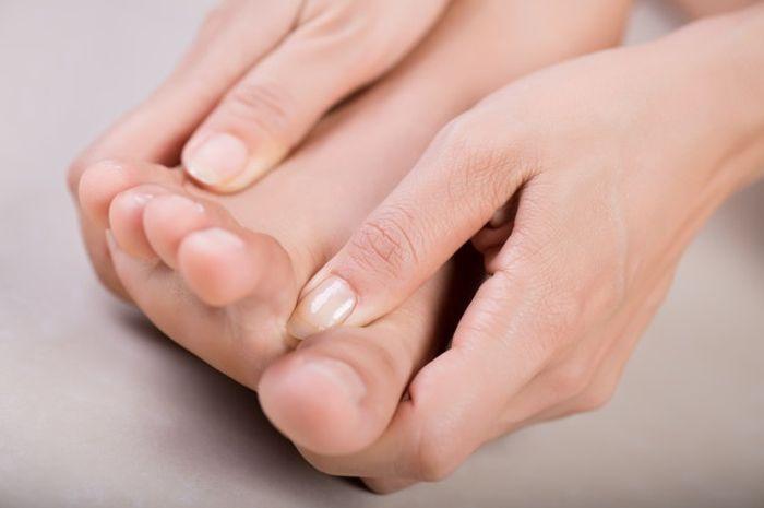 Cara mengatasi lutut yang bengkak dan sakit
