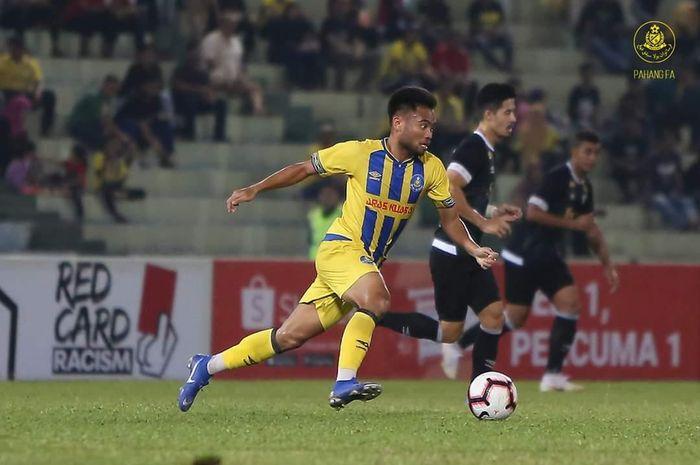 Aksi penyerang Pahang FA asal Indonesia, Saddil Ramdani, saat bersua Perak FA pada laga kedua Piala Malaysia 2019 di Stadion Darul Makmur, 8 Agustus 2019.