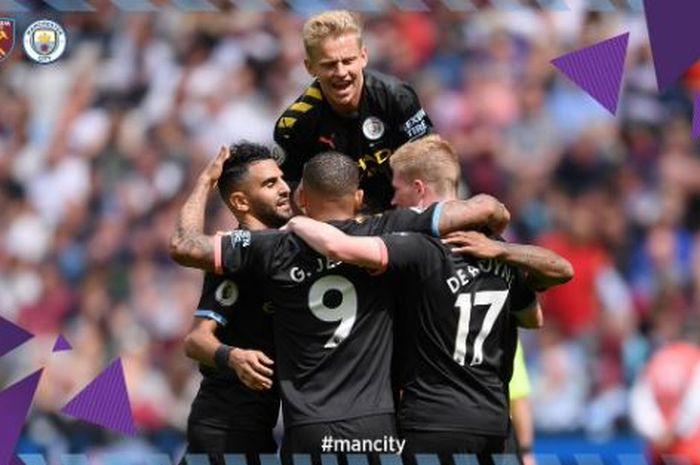 Para pemain Manchester City merayakan gol yang dicetak ke gawang West Ham United dalam laga Liga Inggris di Stadion London, 10 Agustus 2019.