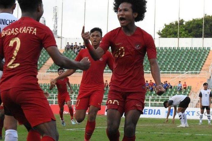 Timnas U-18 Indonesia saat melawan Timnas U-18 Laos di pertandingan keempat Grup A Piala AFF U-18 2019.