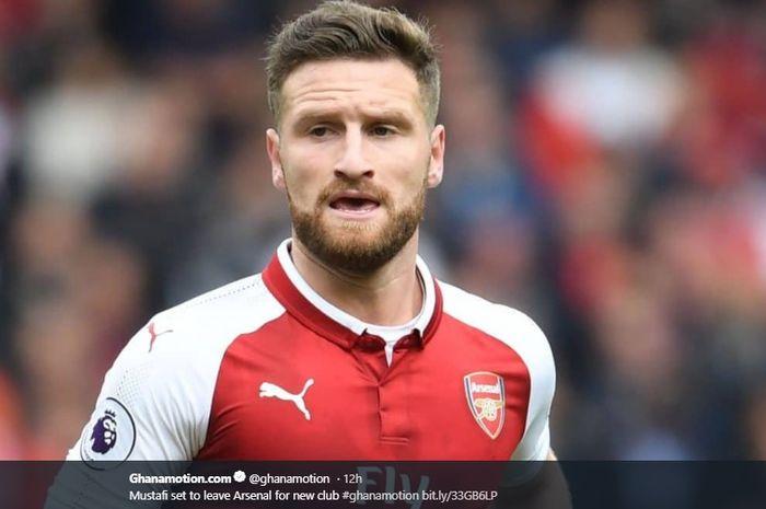 Bek tengah Arsenal, Shkodran Mustafi, disinyalir bakal dilepas pada musim panas.