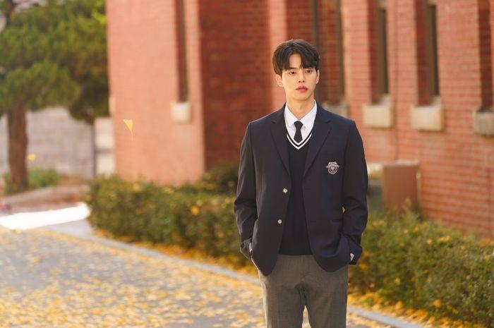 Selain Love Alarm Ini 3 Serial Drama Korea Yang Dibintangi Song Kang Semua Halaman Nova