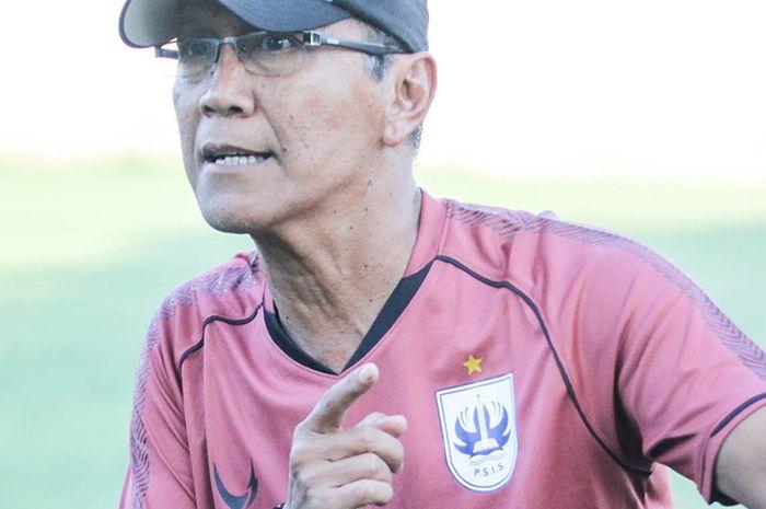Pelatih PSIS Semarang, Bambang Nurdiansyah.