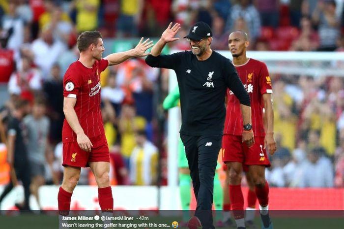 James Milner memberi salam hangat kepada pelatih Liverpool, Juergen Klopp, usai timnya mampu menundukkan Arsenal dengan skor 3-1 dalam lanjutan pertandingan Liga Inggris pekan ketiga di Stadion Anfield, Sabtu (24/8/2019).