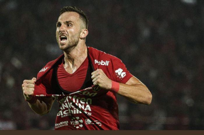 Ilija Spasojevic mencetak goal kemenangan Bali United kawan Arema FC dalam departs League 1 2019 of Stadion Kapten I Wayan Dipta, Gianyar, 24 Agustus 2019.